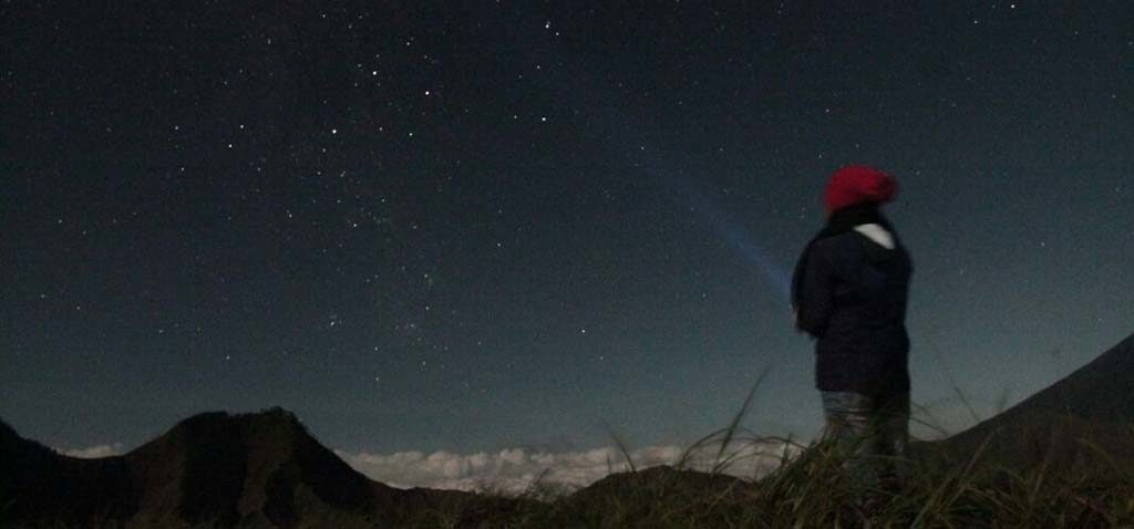 gunung malam hari