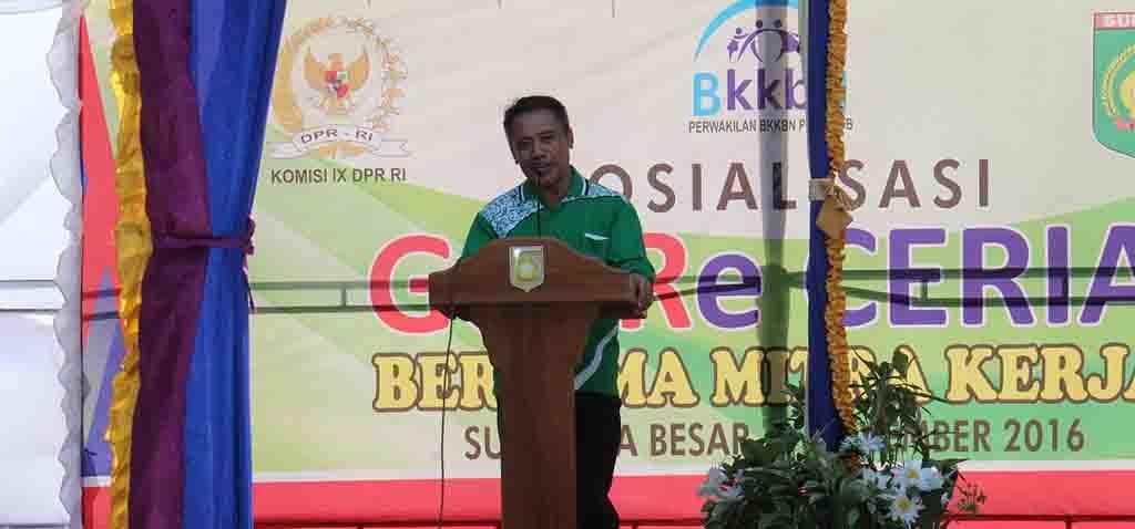 Kepala BKKBN Perwakilan Provinsi NTB Lalu Makrifuddin saat memberikan sambutan.