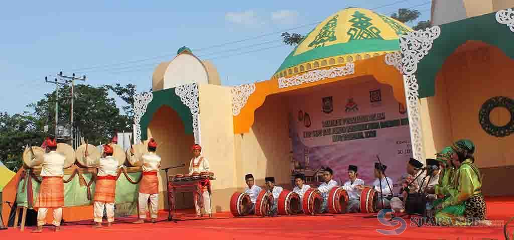 Seni Burdah Akulturasi Budaya Islam Dan Lokal Suarantb Com