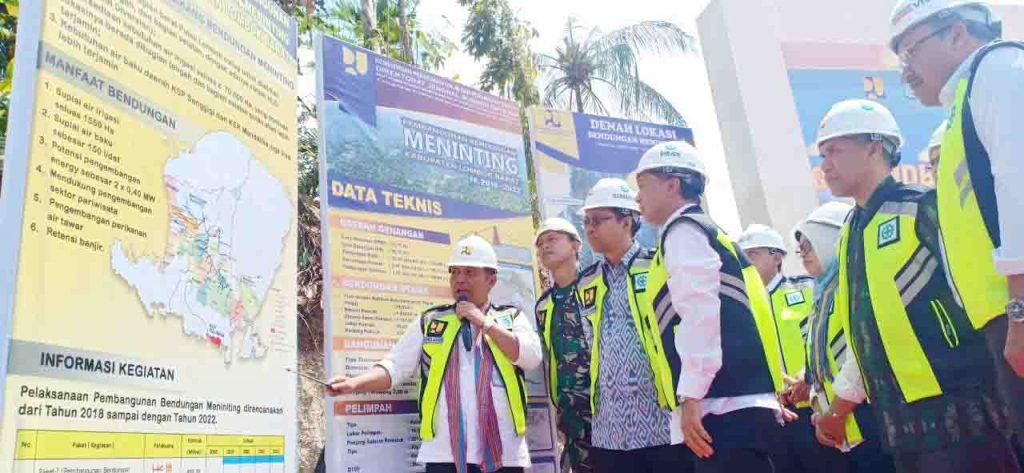 Kepala BWS Nusa Tenggara I, Dr. Hendra Ahyadi, ST, MT menjelaskan secara utuh tentang Bendungan Meninting dan manfaatnya