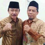 Ketua DPW PKS NTB, H. Abdul Hadi foto bersama Ketua DPD Partai Gerindra NTB, Ridwan Hidayat. (Suara NTB/ndi)