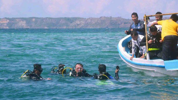 Menteri KKP Edhy Prabowo Perbolehkan Nelayan Menangkap Benih Lobster