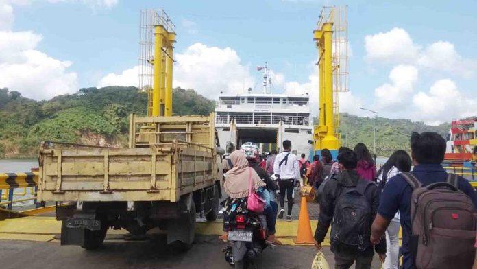 Pemprov Kaji Pembukaan Resmi Tol Laut Lembar – Banyuwangi